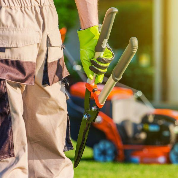 Experienced Full-Tme Gardener (Lawn Care Technician)