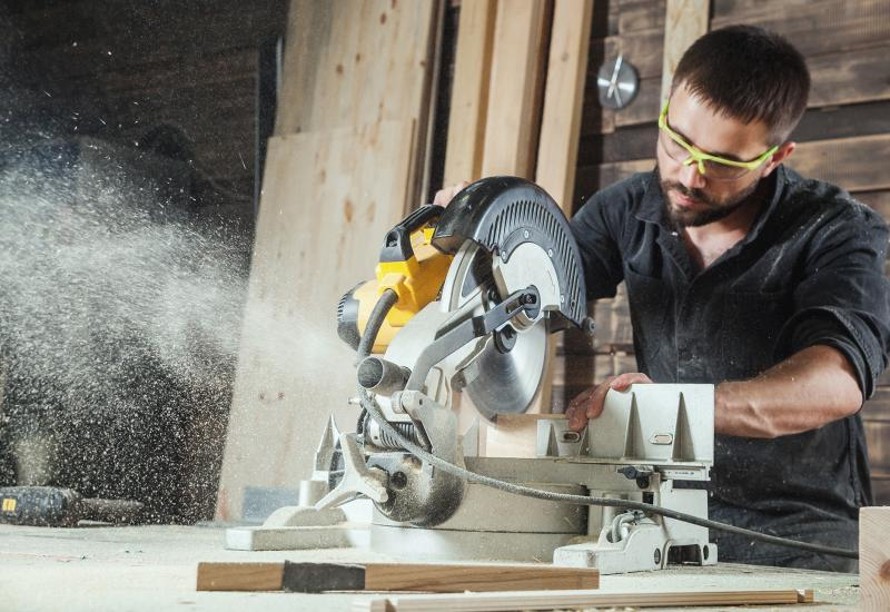 JOB VACANCY - FULL TIME Experienced Carpenter - Required ASAP