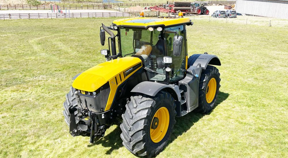 JCB 4220 Fastrac, 2018 - with Sun Roof
